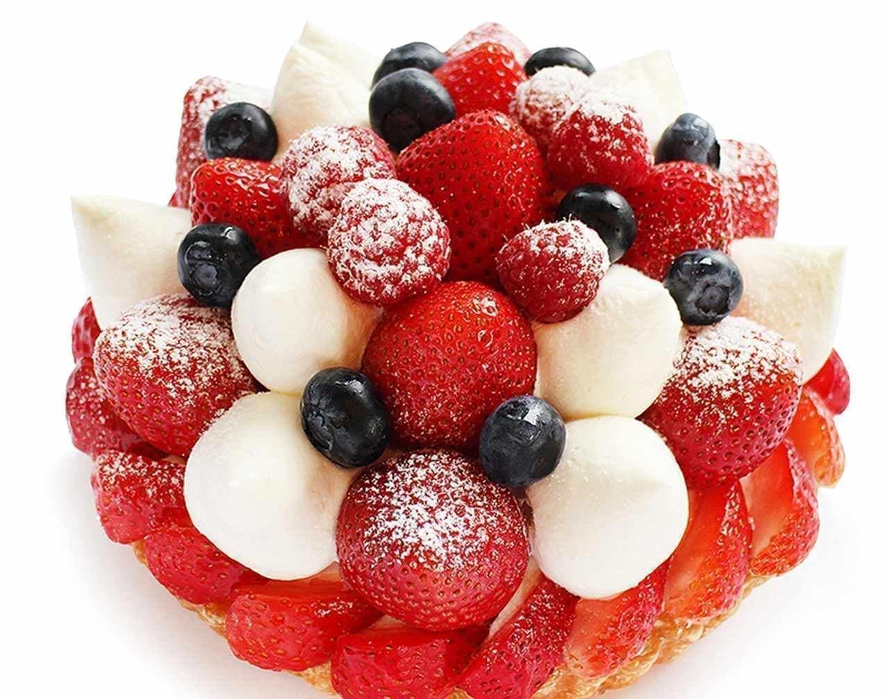 カフェコムサ「いちごとベリーのケーキ 」