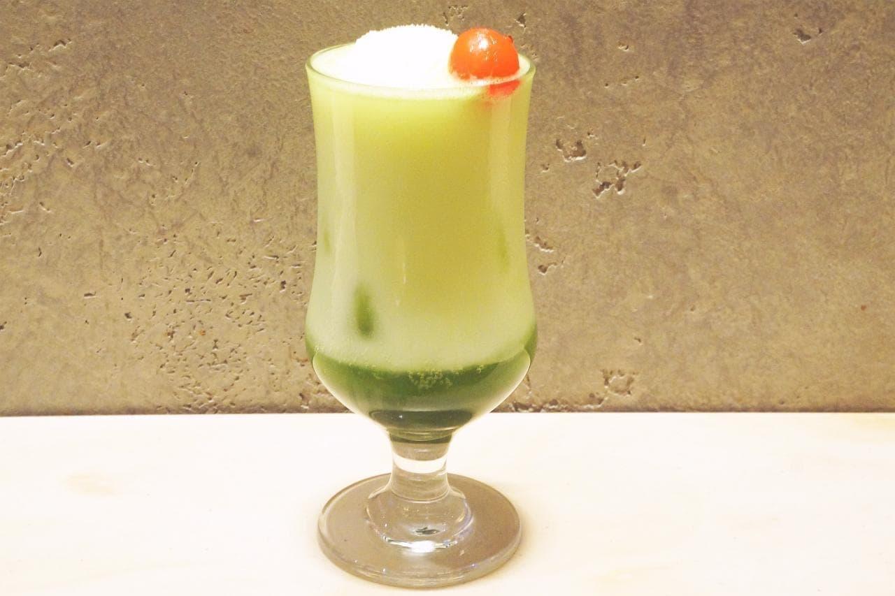 スターバックス リザーブ ロースタリー 東京の「ティバーナ クリーム ソーダ 抹茶」