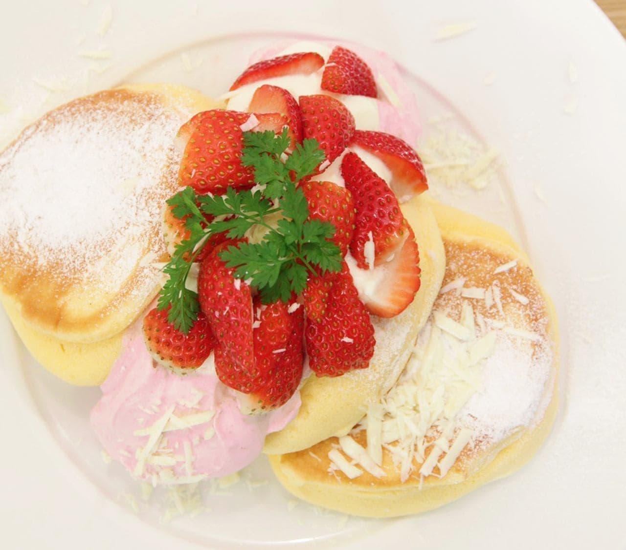 幸せのパンケーキ「国産いちごたっぷりのいちごショートパンケーキ」