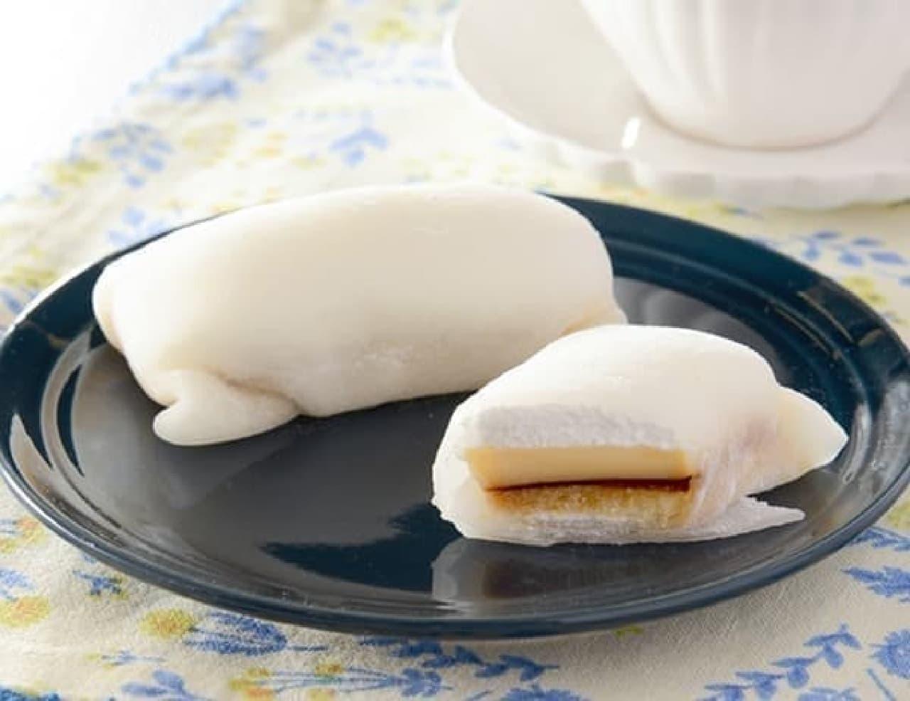 ローソン「モチクルン -おもちでくるんプリンケーキ-」