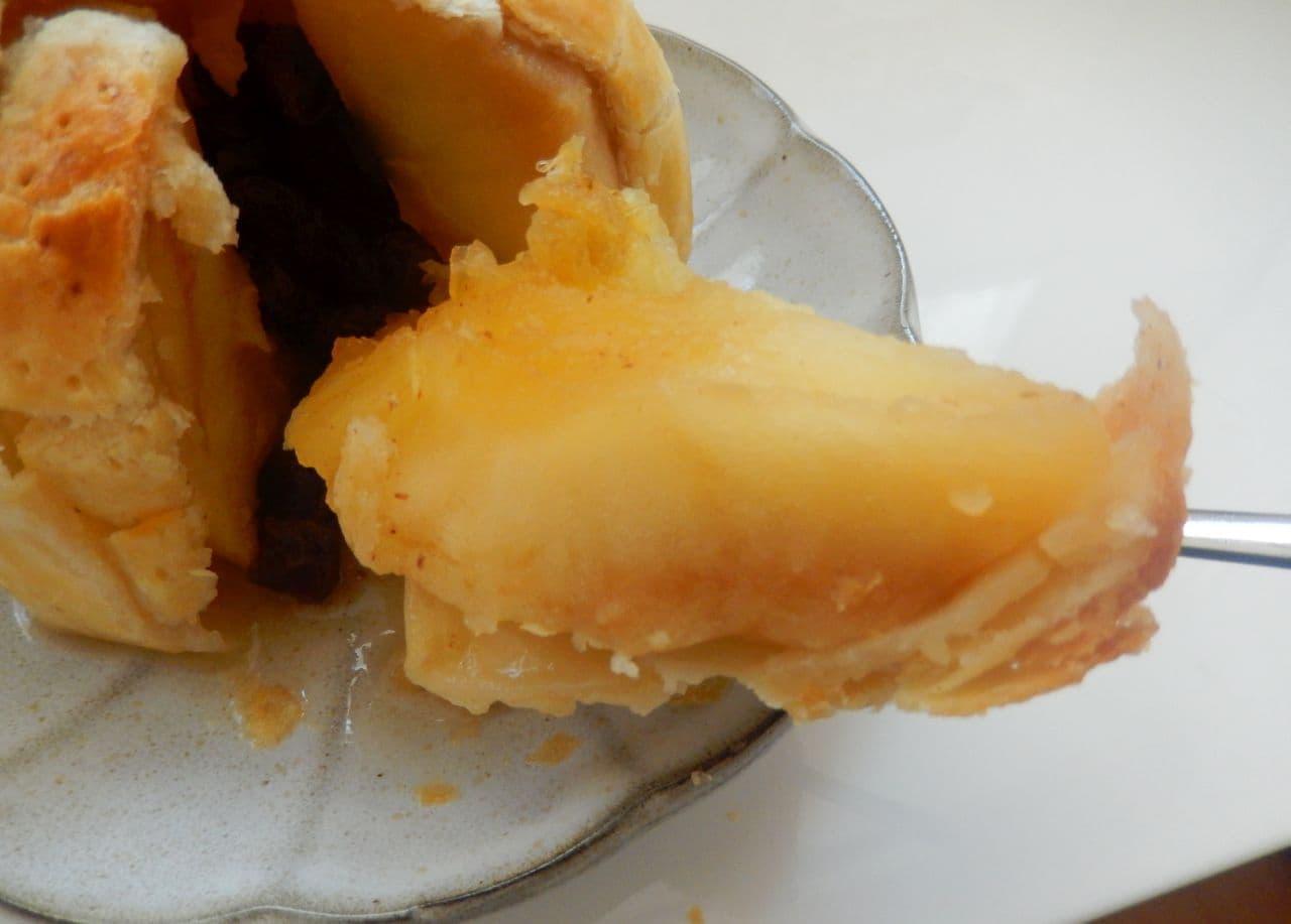 丸ごとりんごのアップルパイ