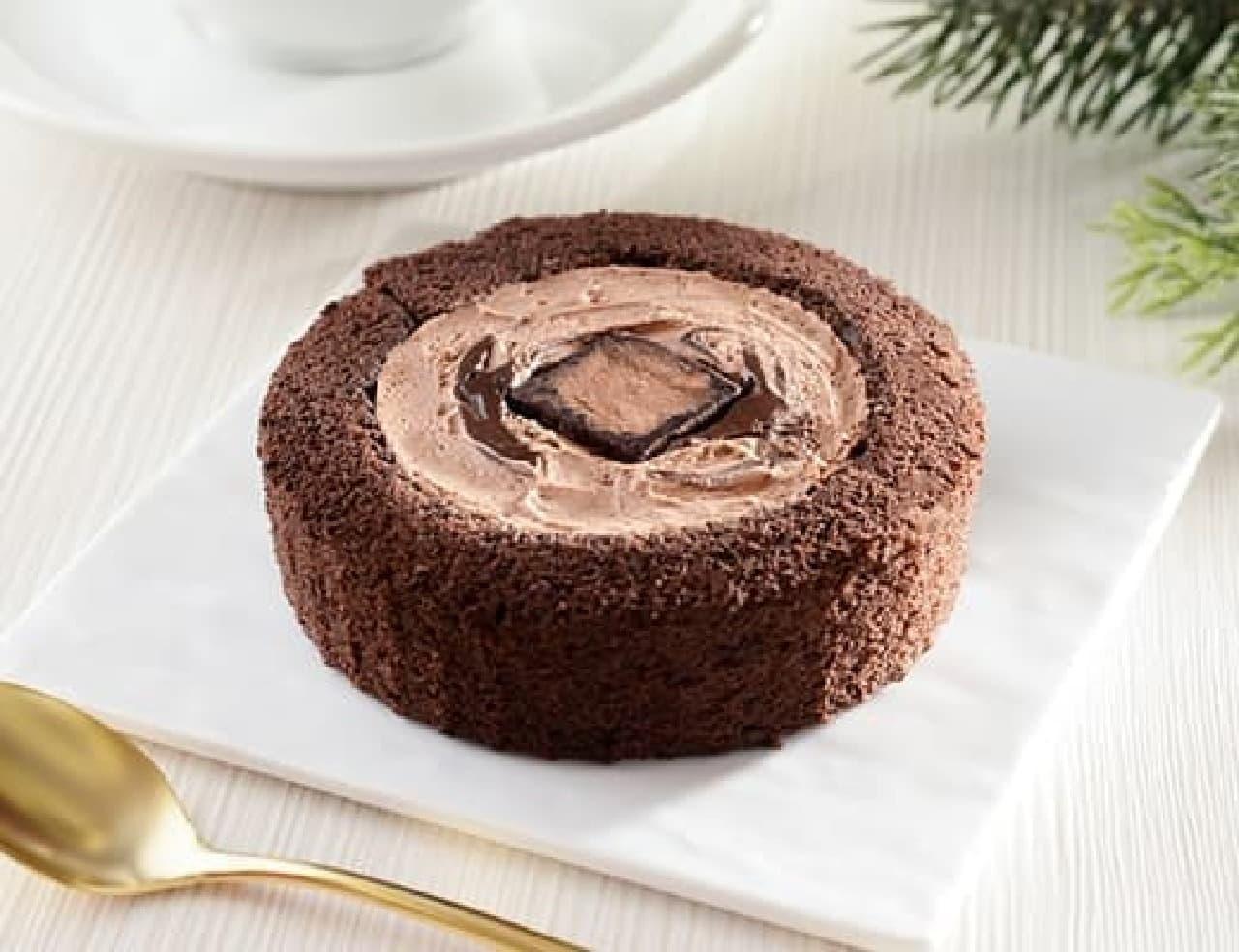 ローソン「生ショコラロールケーキ」