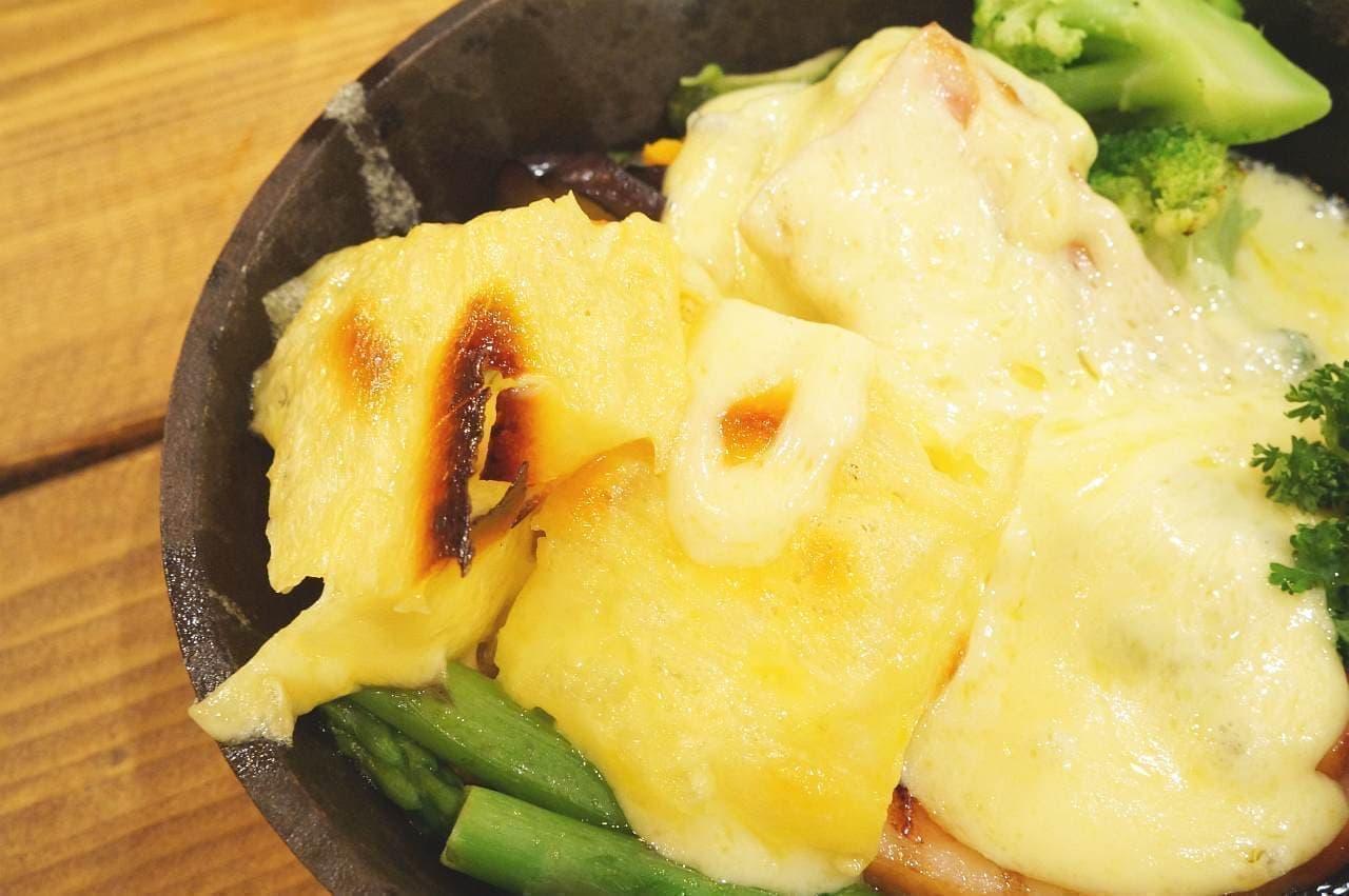 CCC チーズチーズカフェ「ラクレットチーズのグリルプレート」