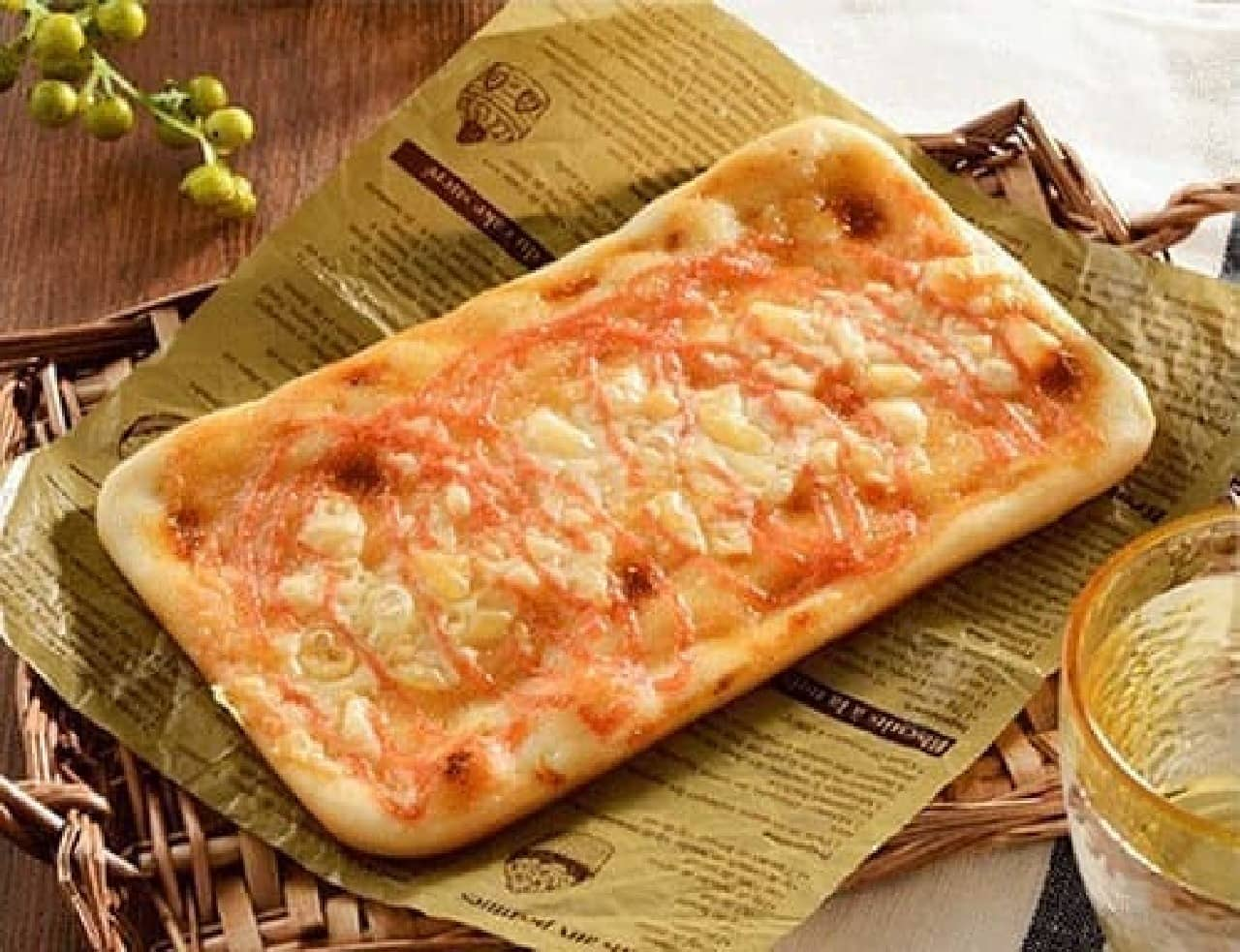 ローソンの「薄焼き明太チーズパン」