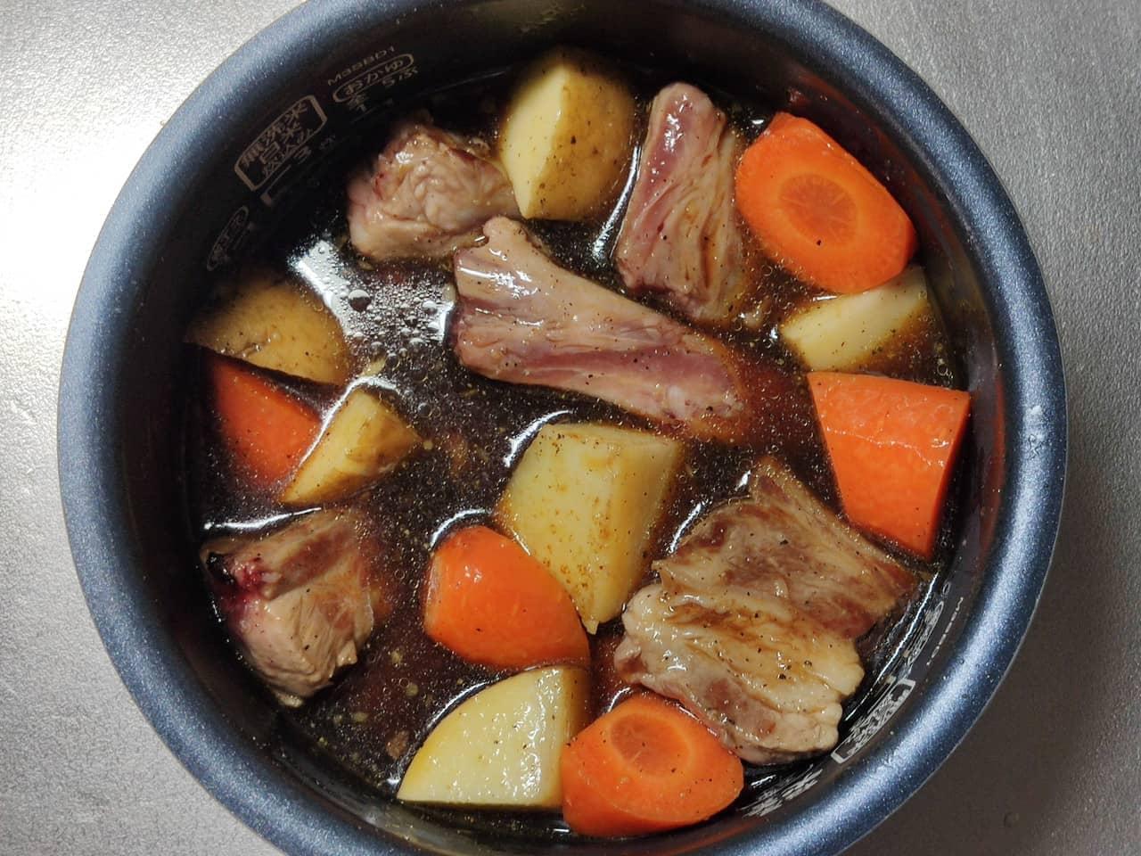 炊飯器で作る豚スペアリブ煮込み