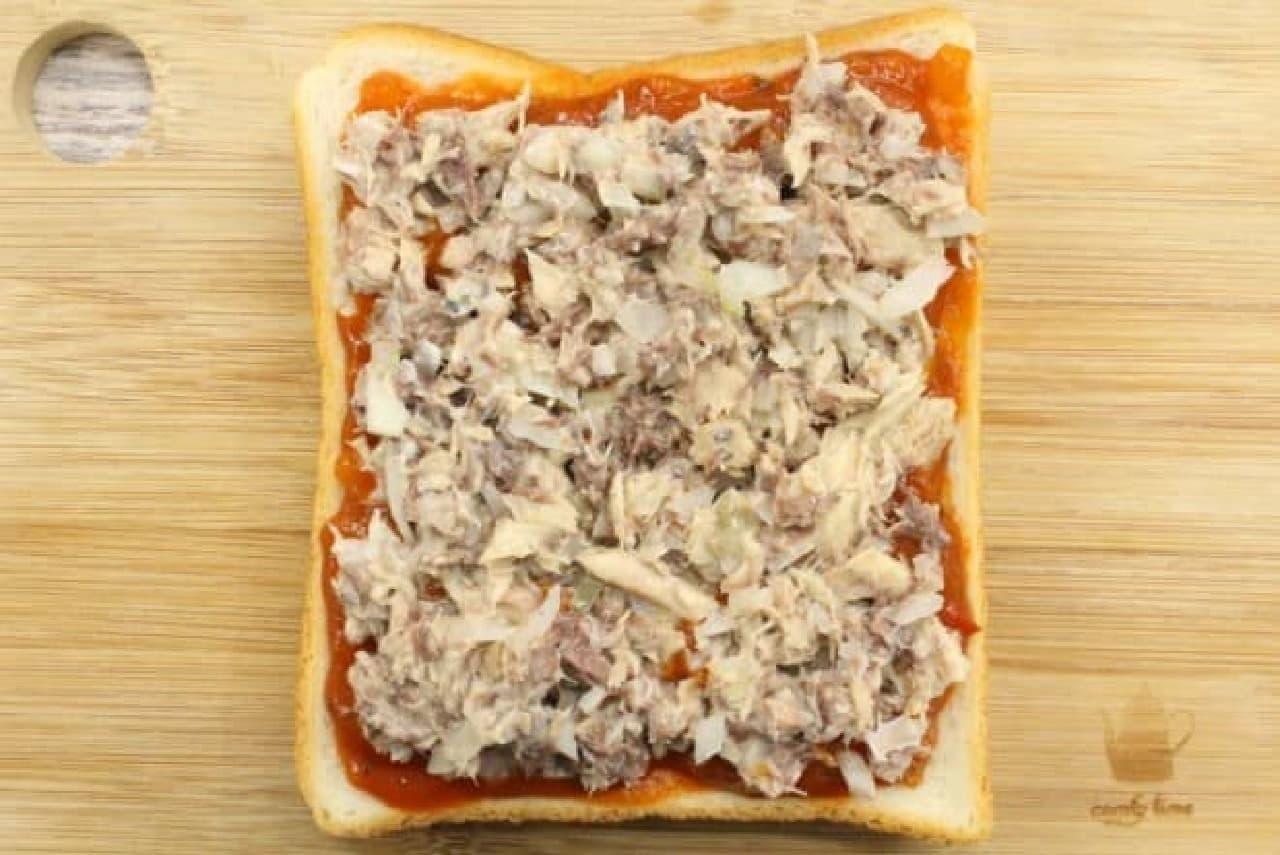 サバ缶ピザトースト