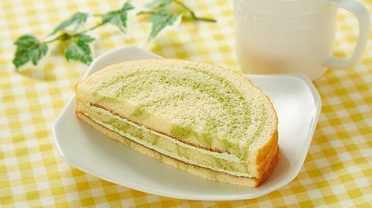 ローソンストア100「VL抹茶のマーブルサンドケーキ」