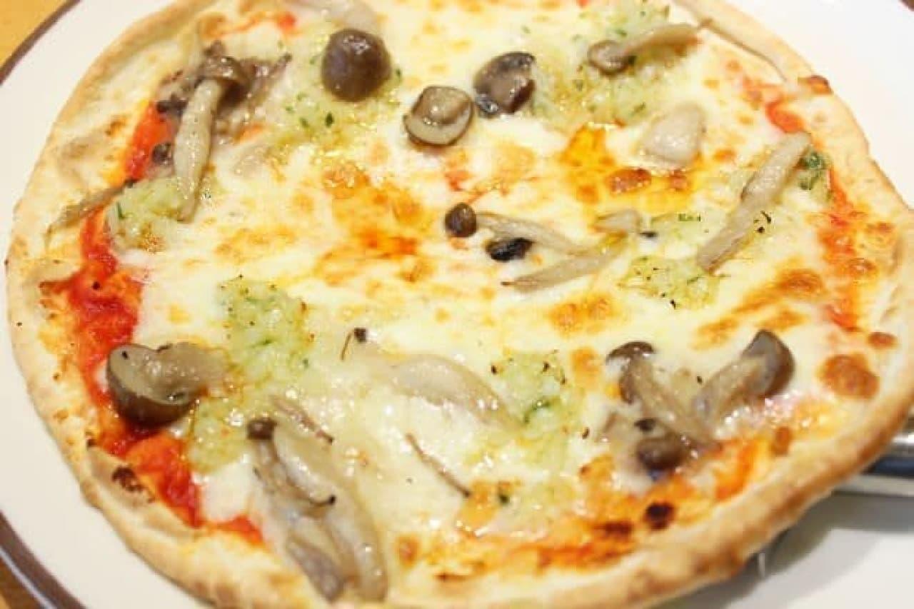 サイゼリヤのピザ