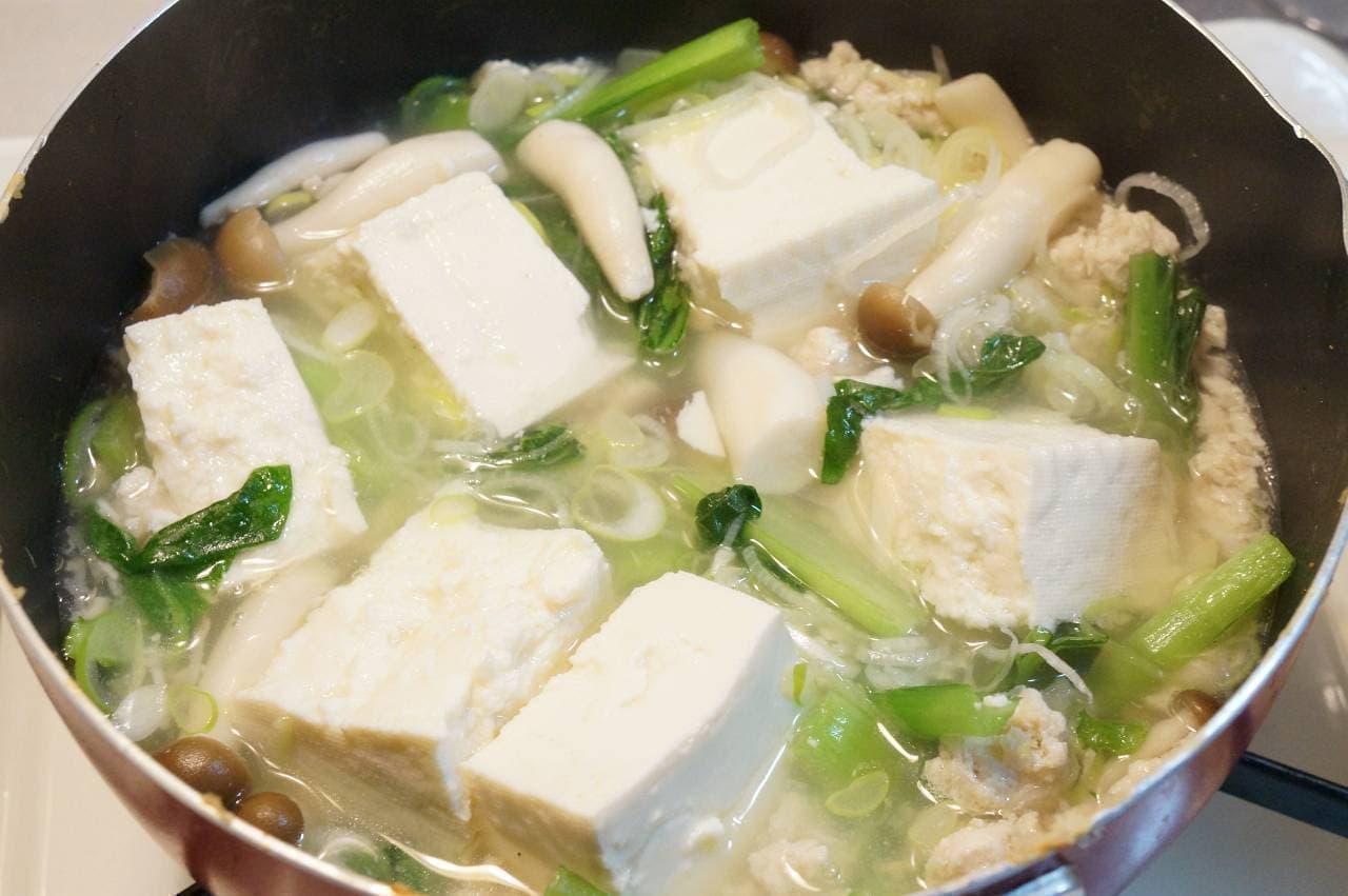 鶏そぼろのチゲ風スープ