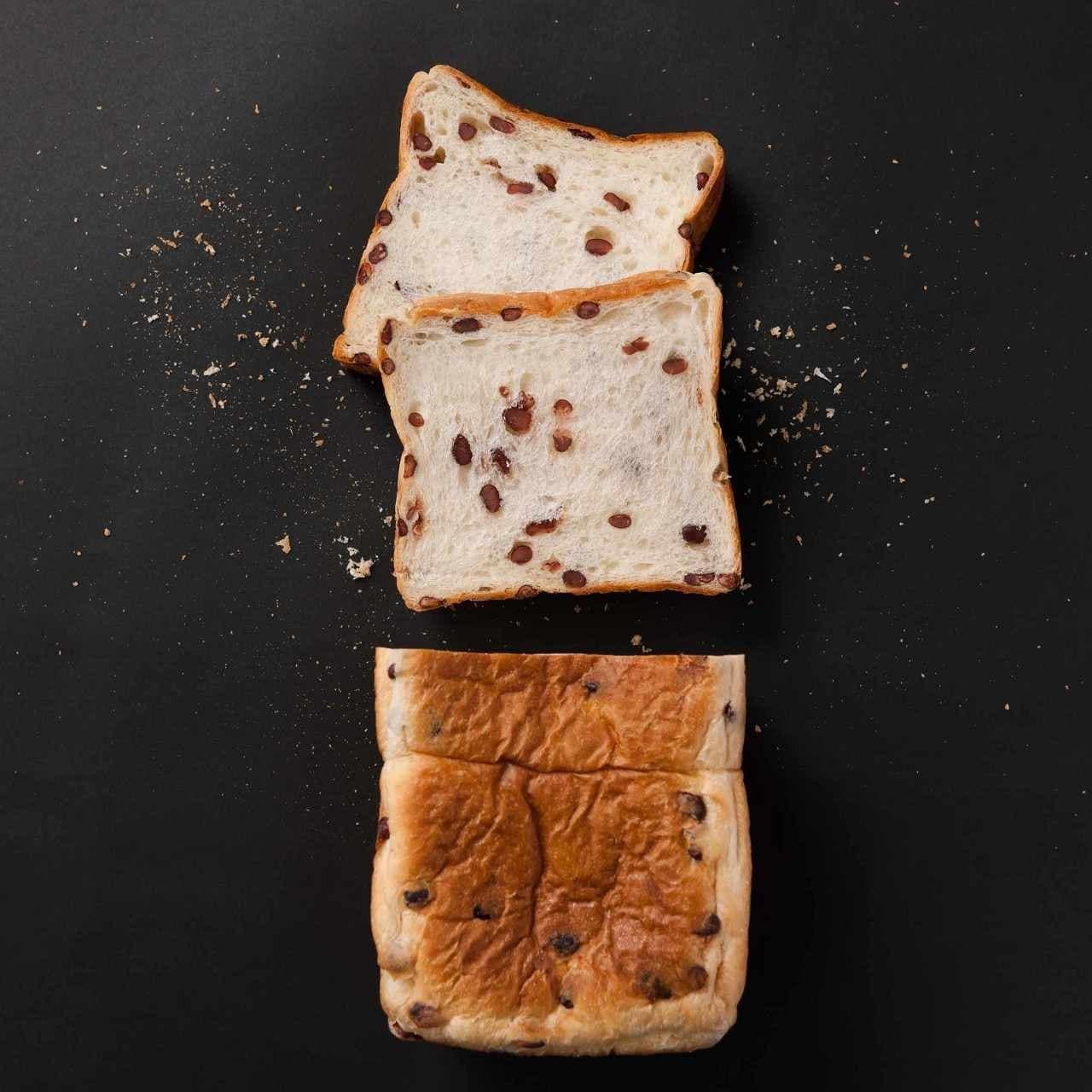高級食パン専門店「あずき」の食パン