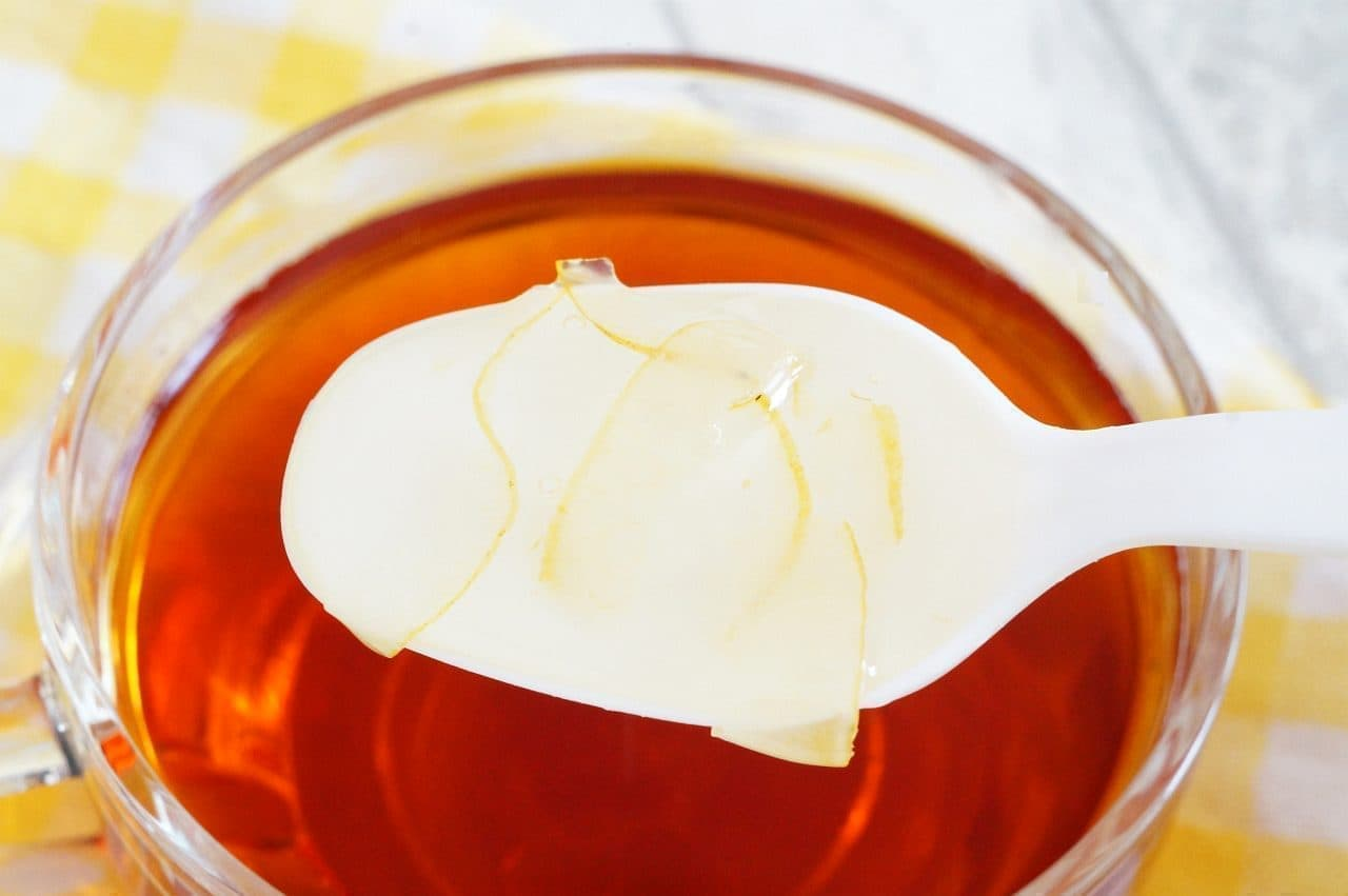 ルピシア「お茶に合う蜂蜜」を入れた紅茶