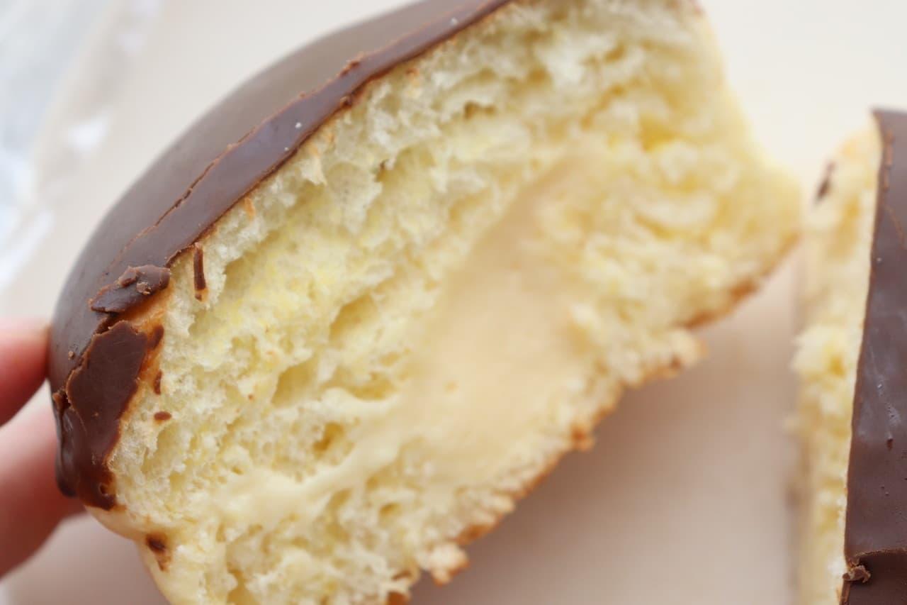 セブンのプリンみたいなパンとローソンのティラミスパン