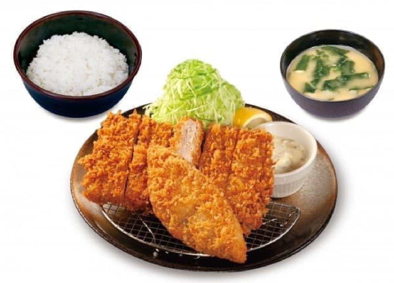 松のや「大判ヒレかつ&サーモンフライ定食」