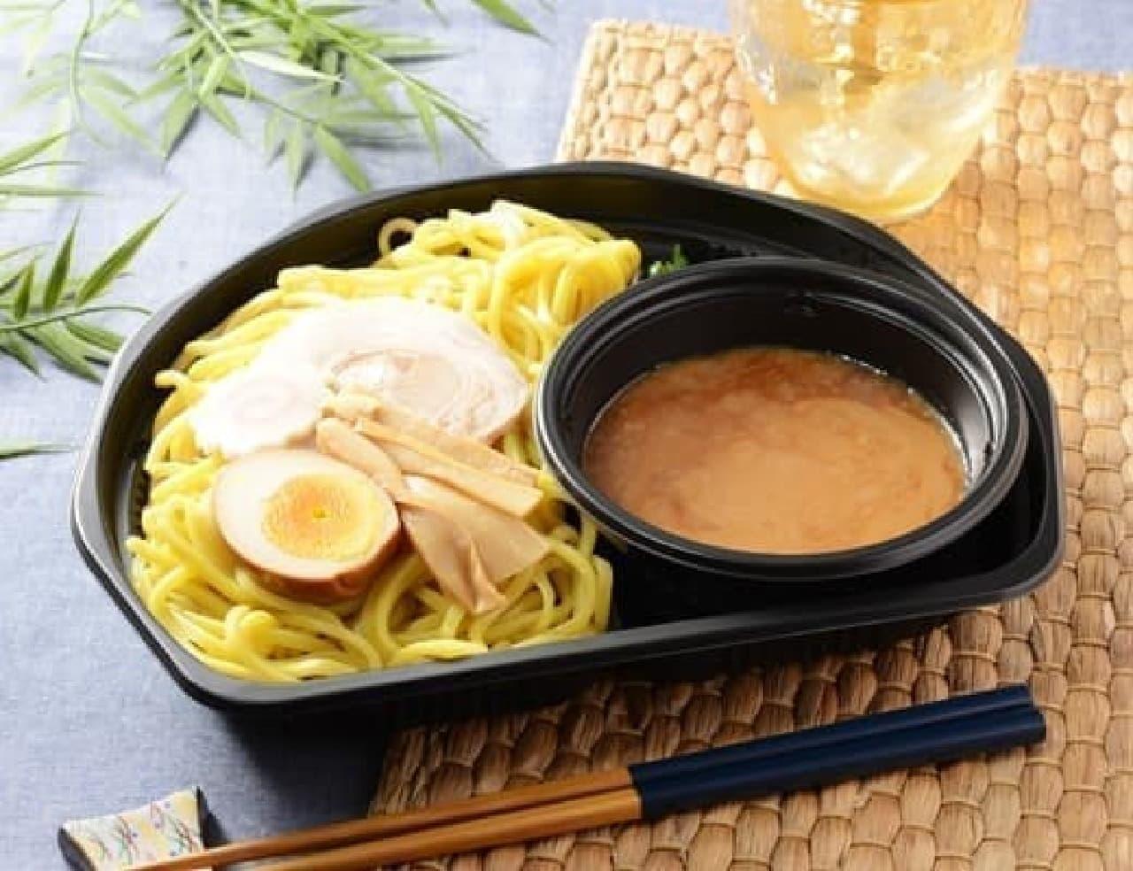 ローソン「濃厚魚介スープの冷しつけ麺」