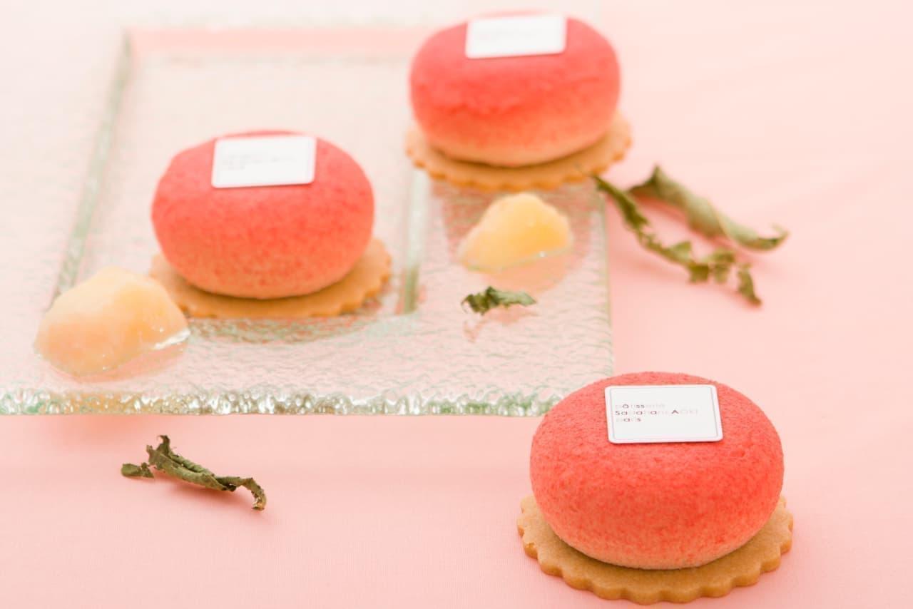 サダハル・アオキの桃ケーキ「ペッシュ ヴェルヴェンヌ」