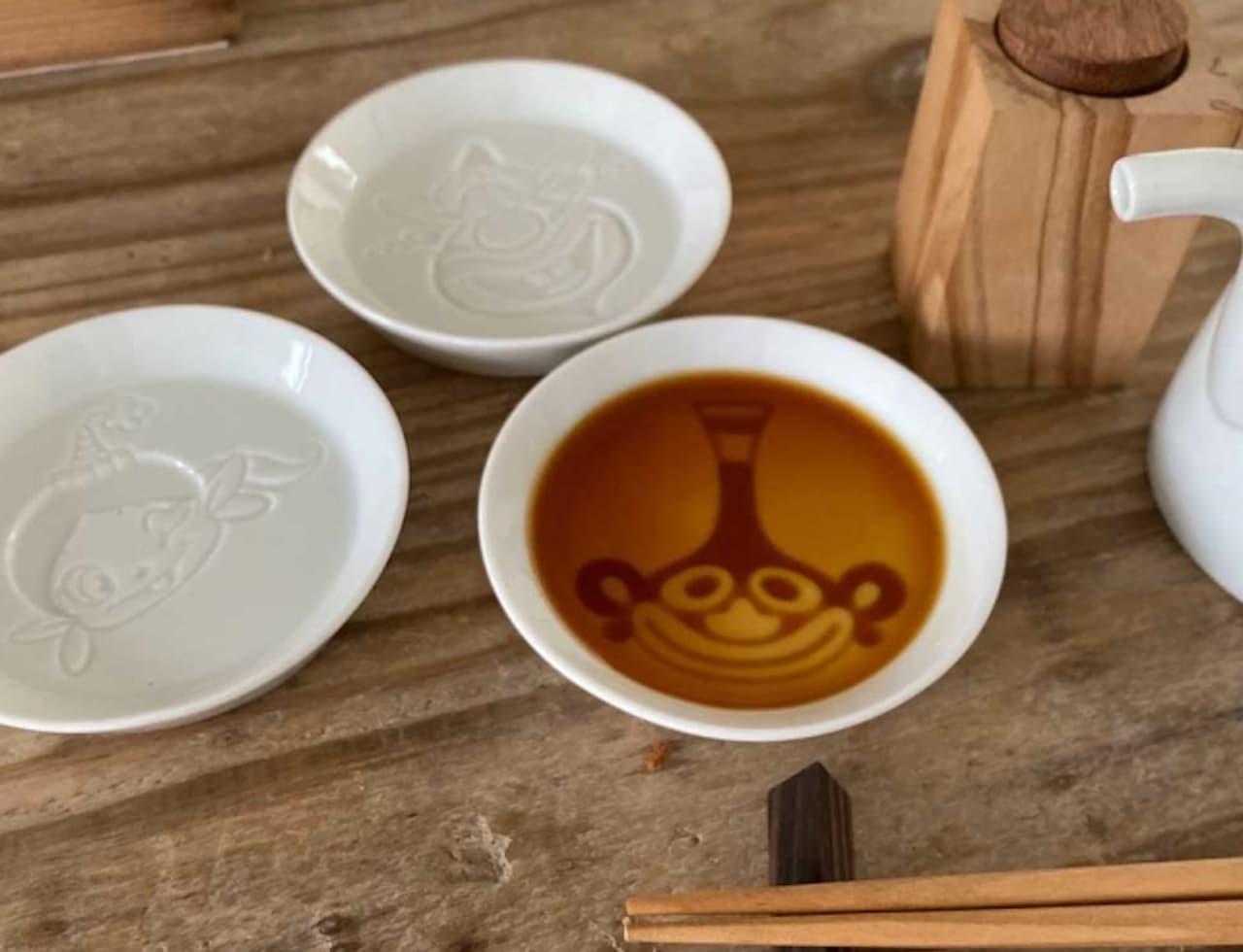 「ハクション大魔王」の絵柄が浮き出るしょうゆ皿