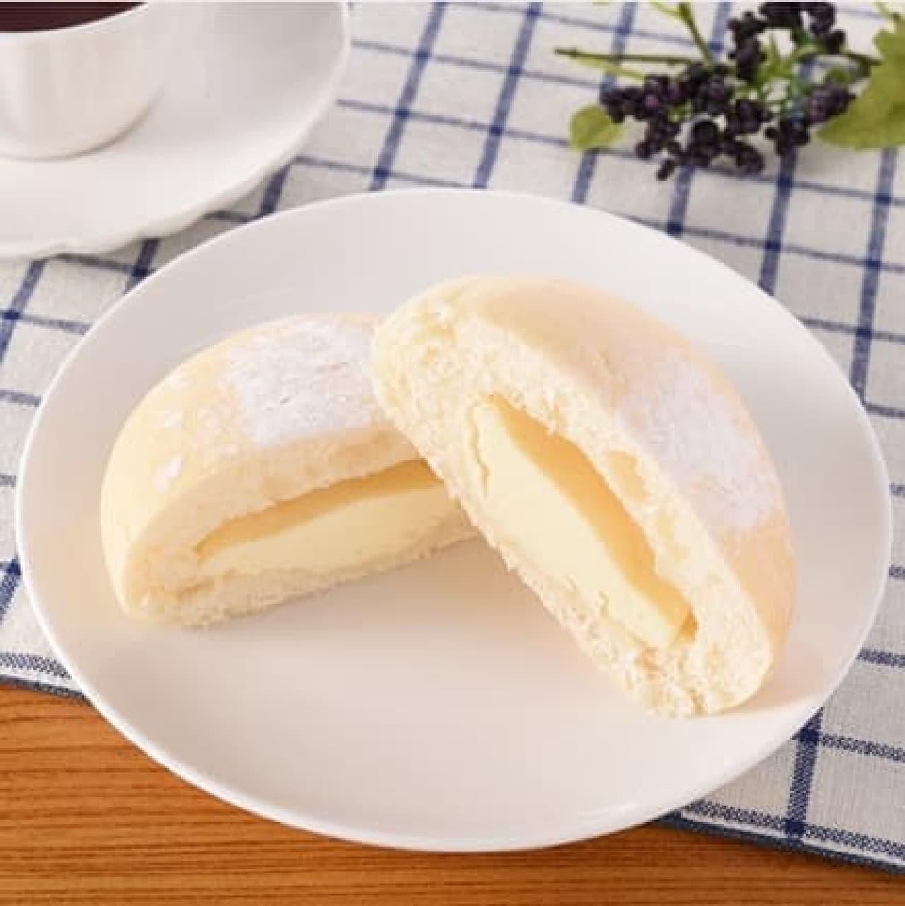 ファミリーマート「白いレアチーズパン」