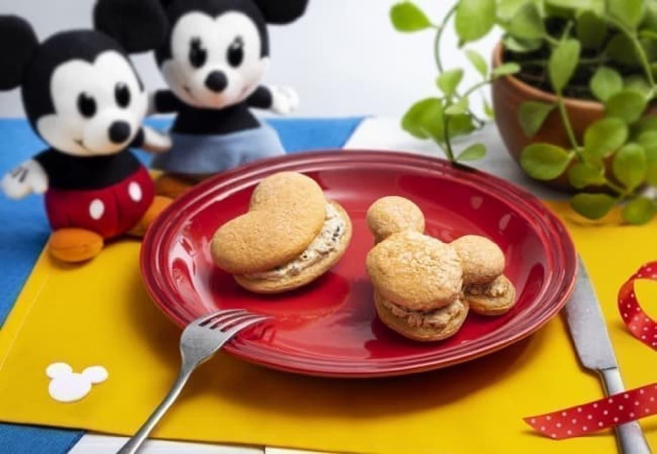 Disney SWEETS COLLECTION by 東京ばな奈のミッキーマウス/パンケーキサンド「見ぃつけたっ」