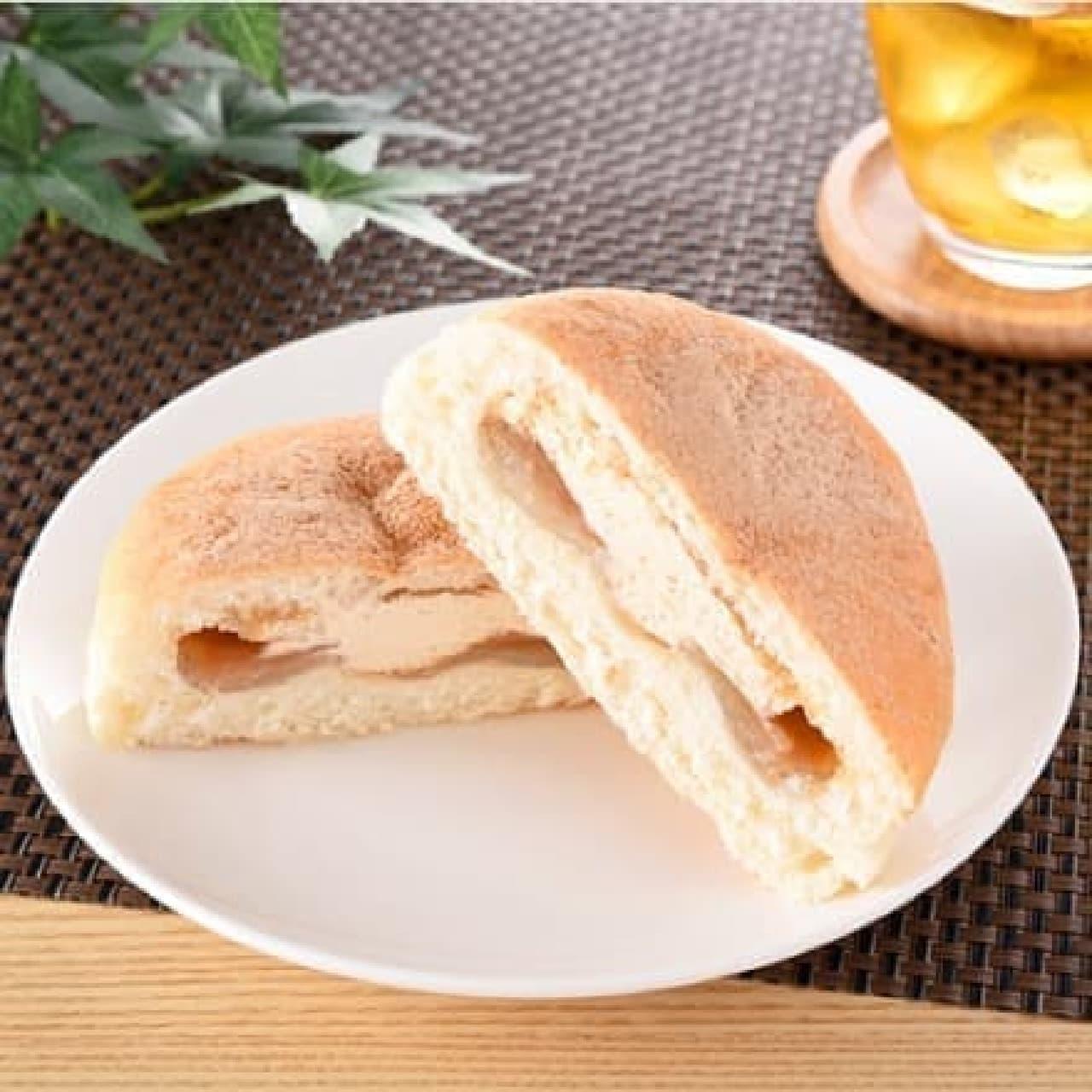 ファミリーマート「わらび餅パン(黒蜜&きなこ)」