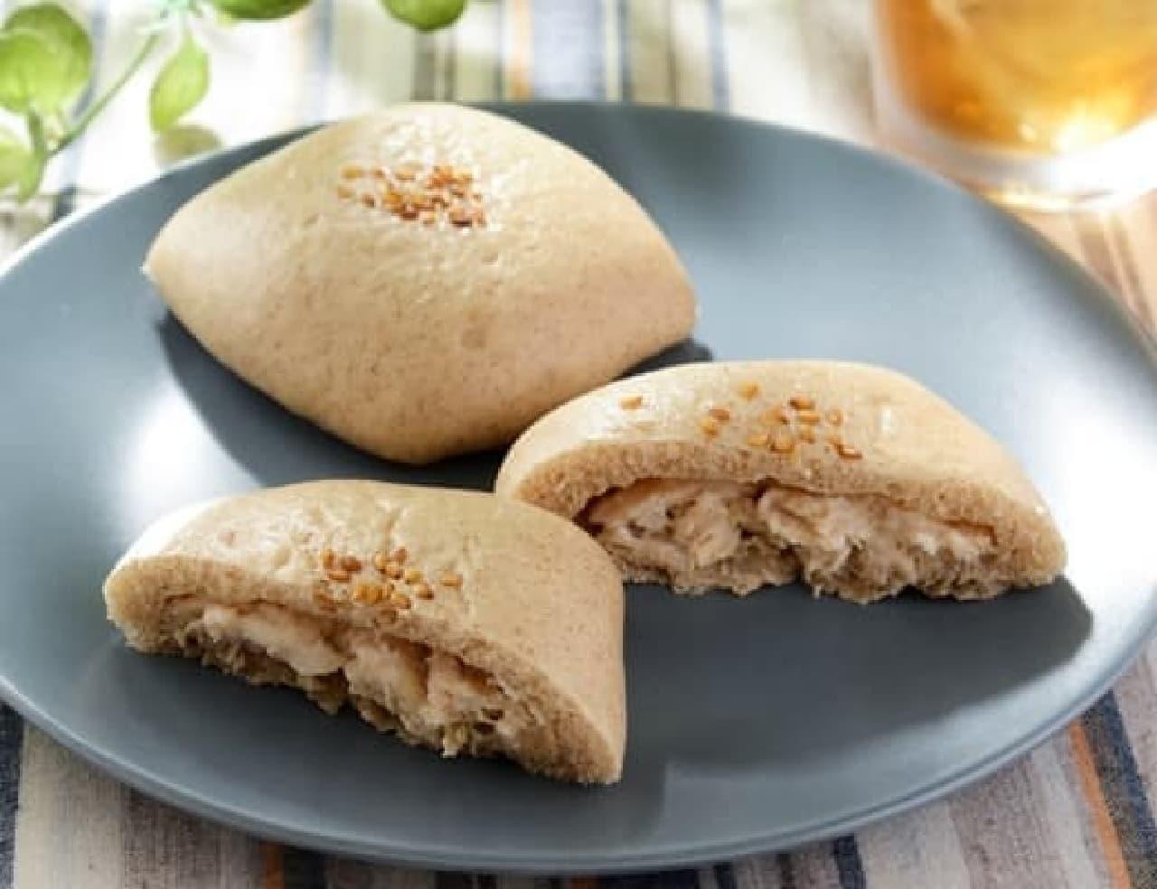 ローソン「NL 大麦のしっとりパン サラダチキン 2個入」