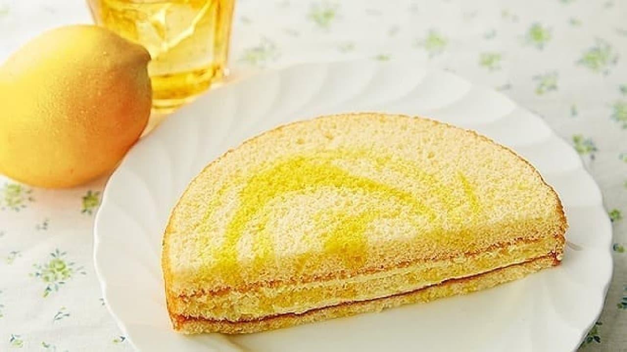 ローソンストア100「VLレモンのマーブルサンドケーキ」