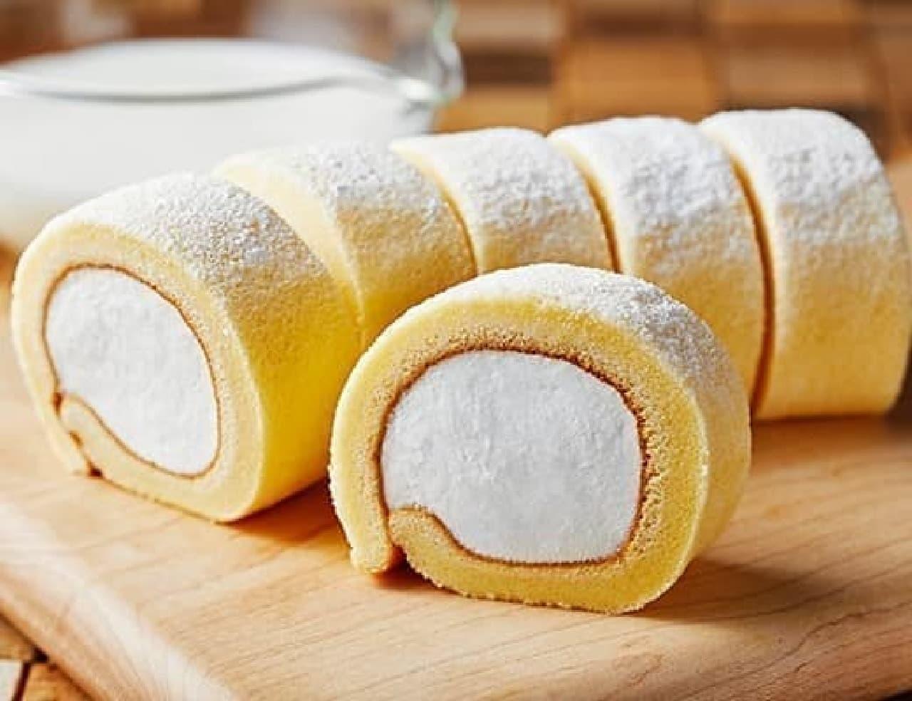 ローソン「もち食感ロール(北海道産生乳入りクリーム)」