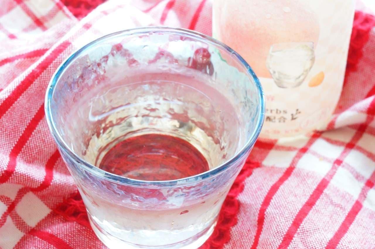 フルーツとハーブのお酒 香る白桃と杏仁