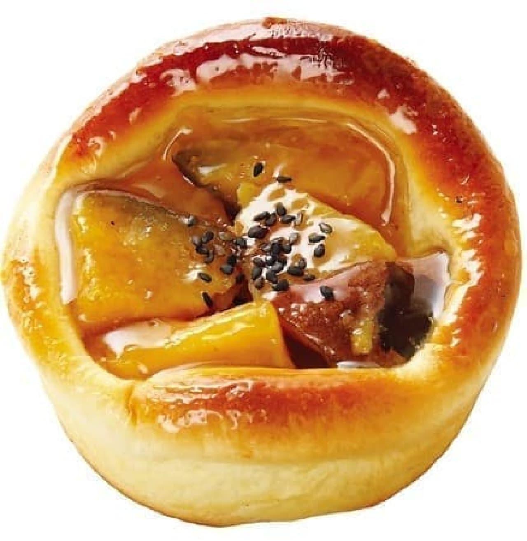 クイーンズベーカリーの「ゴロゴロ安納芋のパン」