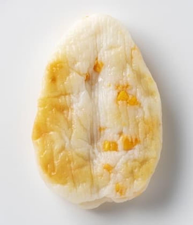 ハローキティとコラボの「笹かまぼこ チェダーチーズ味」