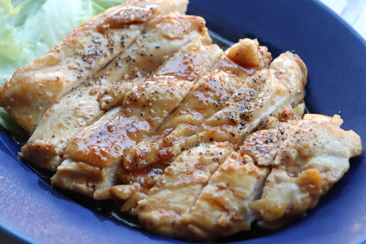 鶏むね肉のガリバタ醤油ステーキ