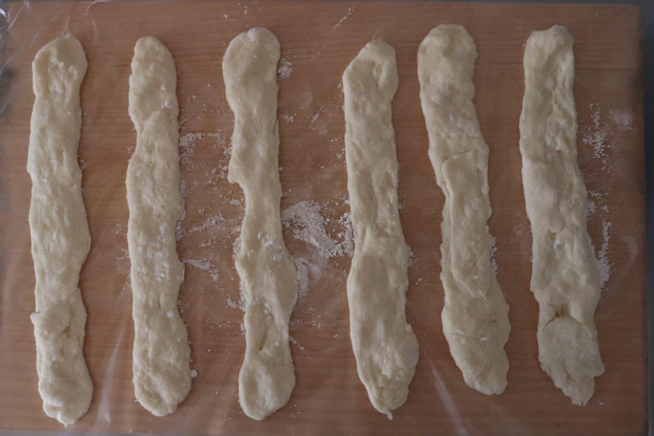 ホットケーキミックスソーセージパン