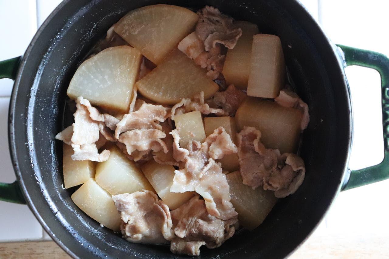 豚バラ大根煮込み