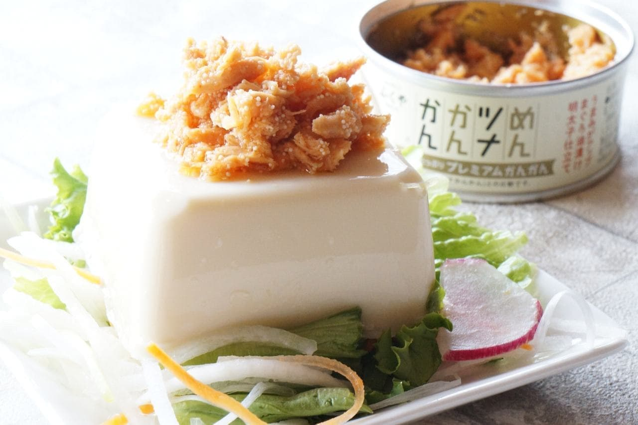 味の明太子ふくやの「めんツナかんかんプレミアム」をのせた豆腐