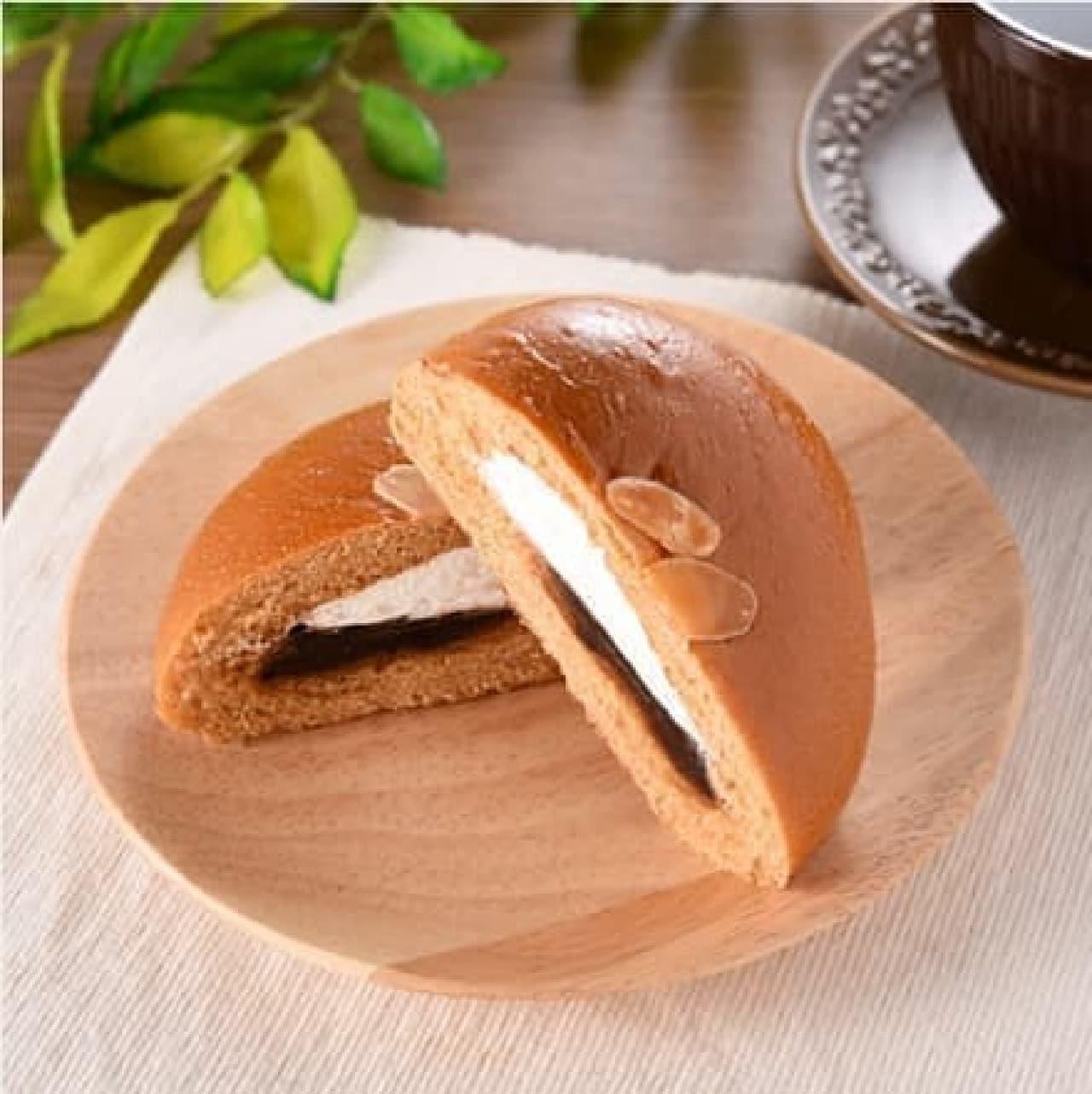 ファミリーマート「コーヒーあんぱん(ホイップクリーム入り)」