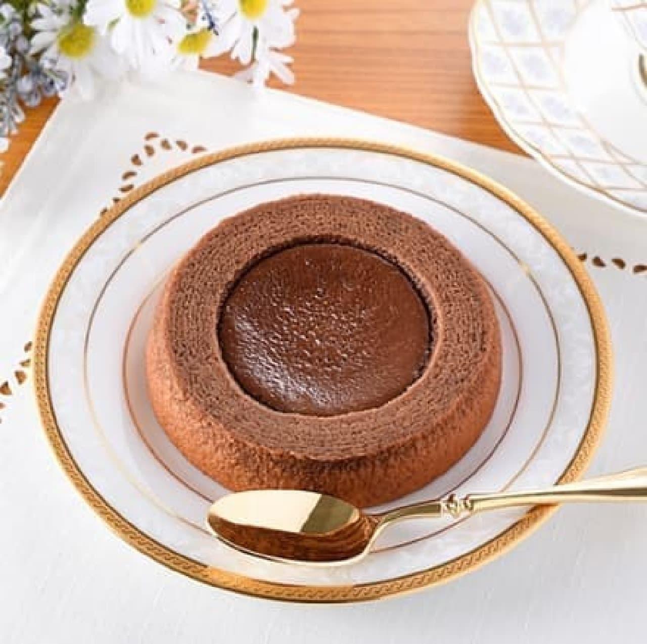 ファミリーマート「生チョコを使ったチョコケーキのバウム」
