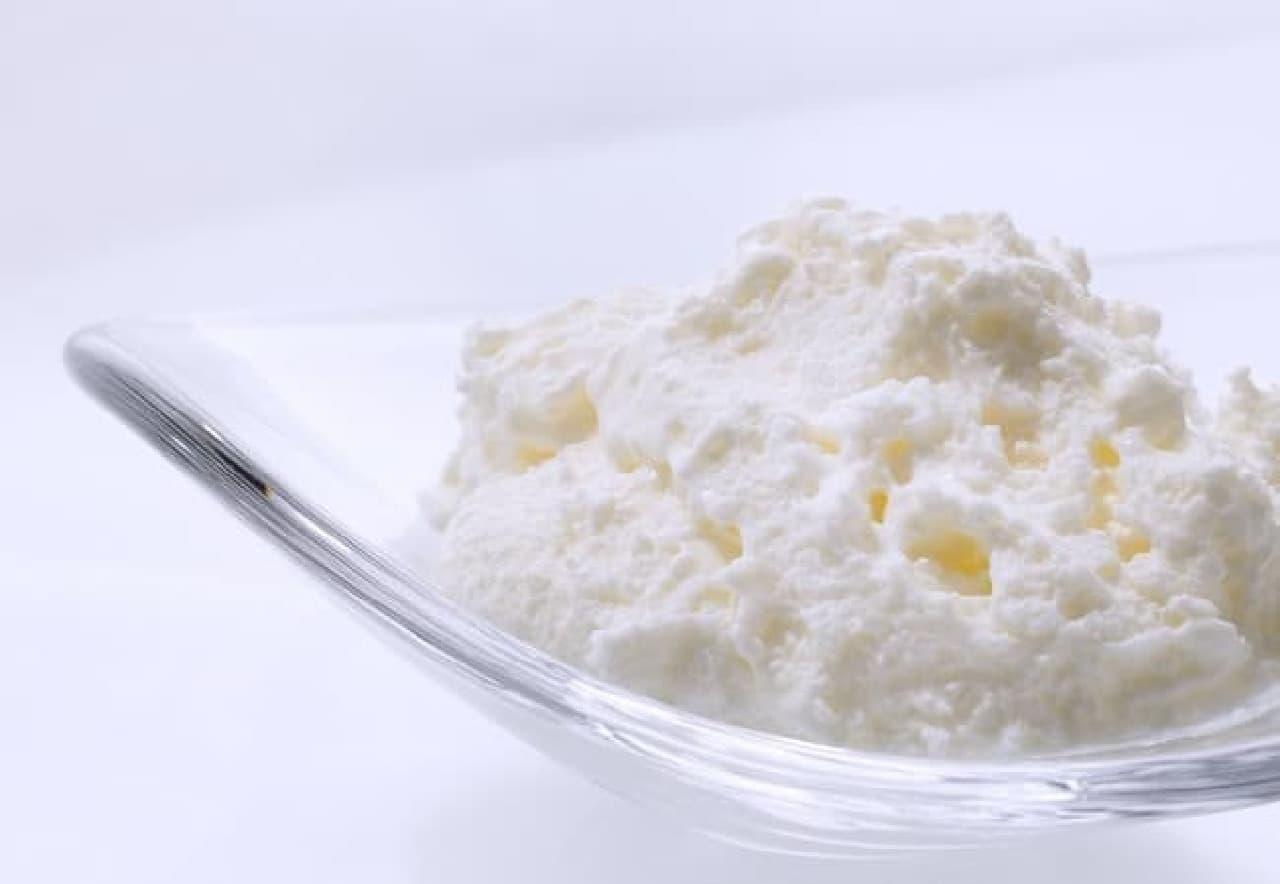 銀のぶどう「チーズケーキ かご盛り 白らら」