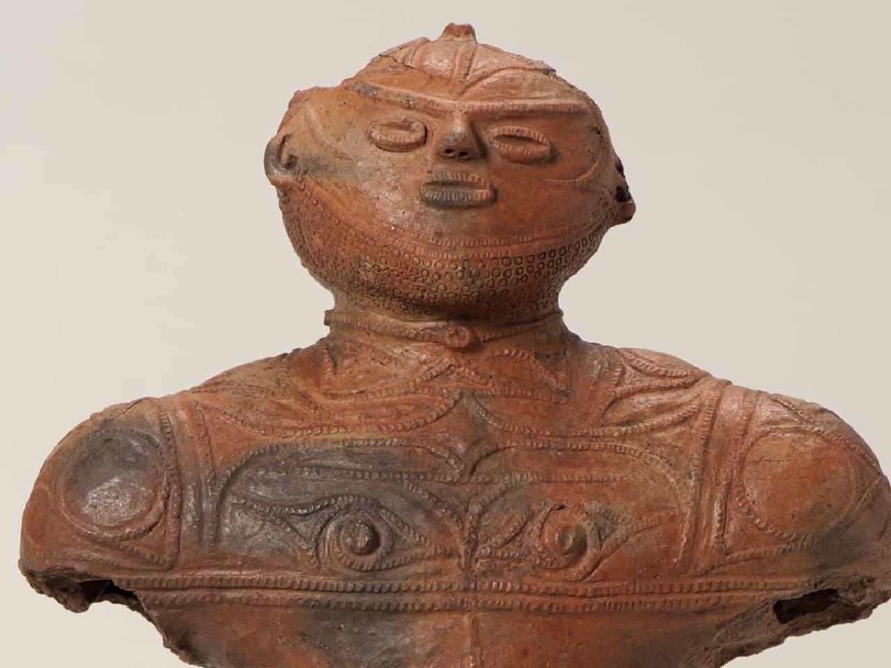 北海道唯一の国宝「中空土偶」(函館市所蔵)