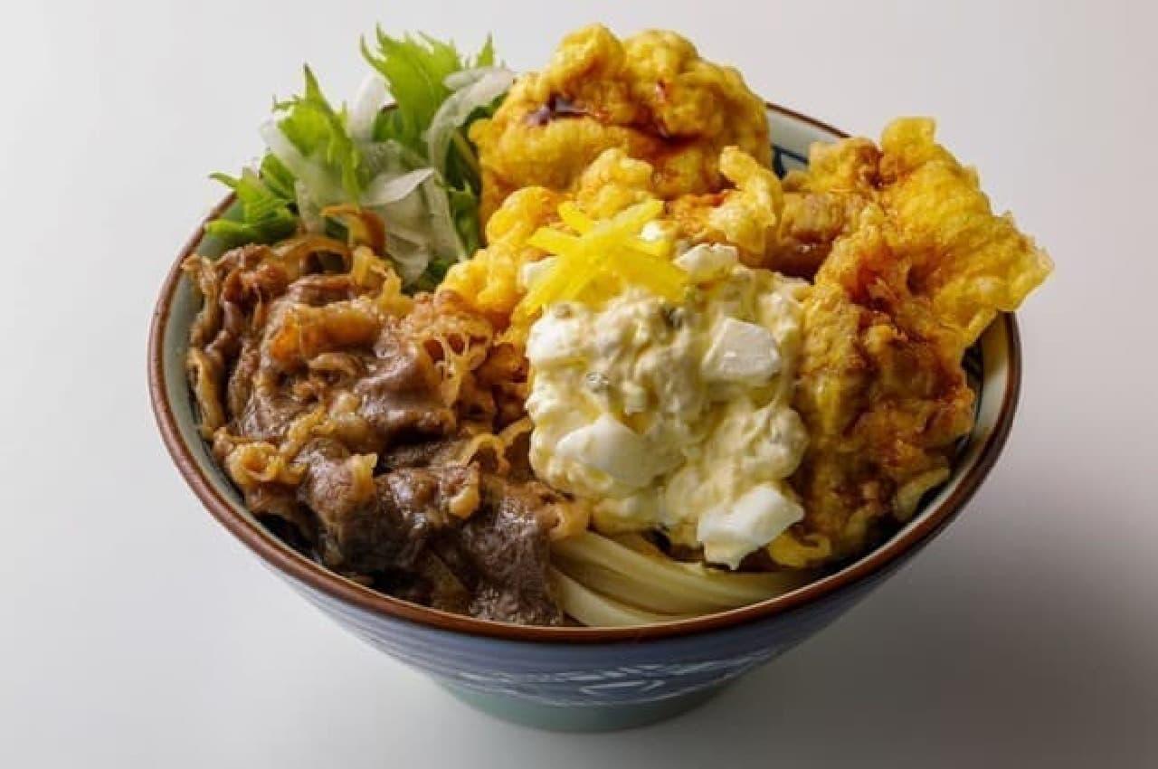 丸亀製麺「漢気!牛肉タル鶏天ぶっかけうどん」