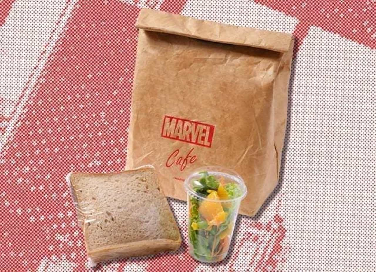 「MARVEL」cafe produced by OH MY CAFEの『スパイダーマン』行きつけのお店の(!?)No.5チキンサンドウィッチ