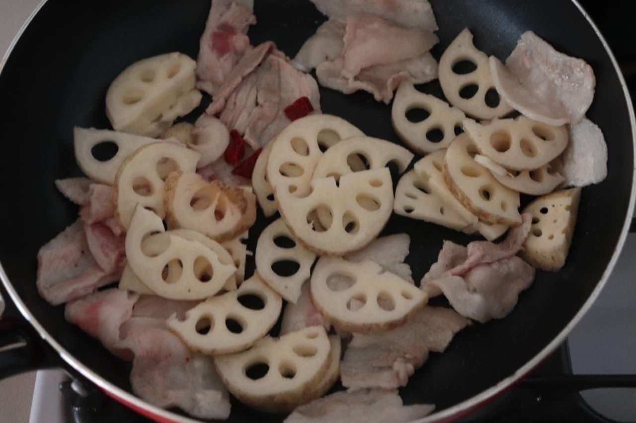 豚バラとれんこんの甘辛炒め