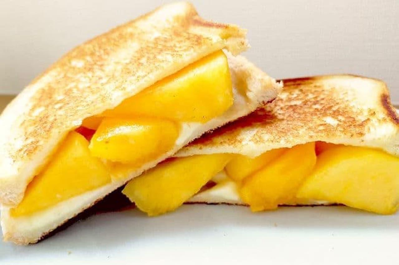 レシピ「柿とチーズのホットサンド」