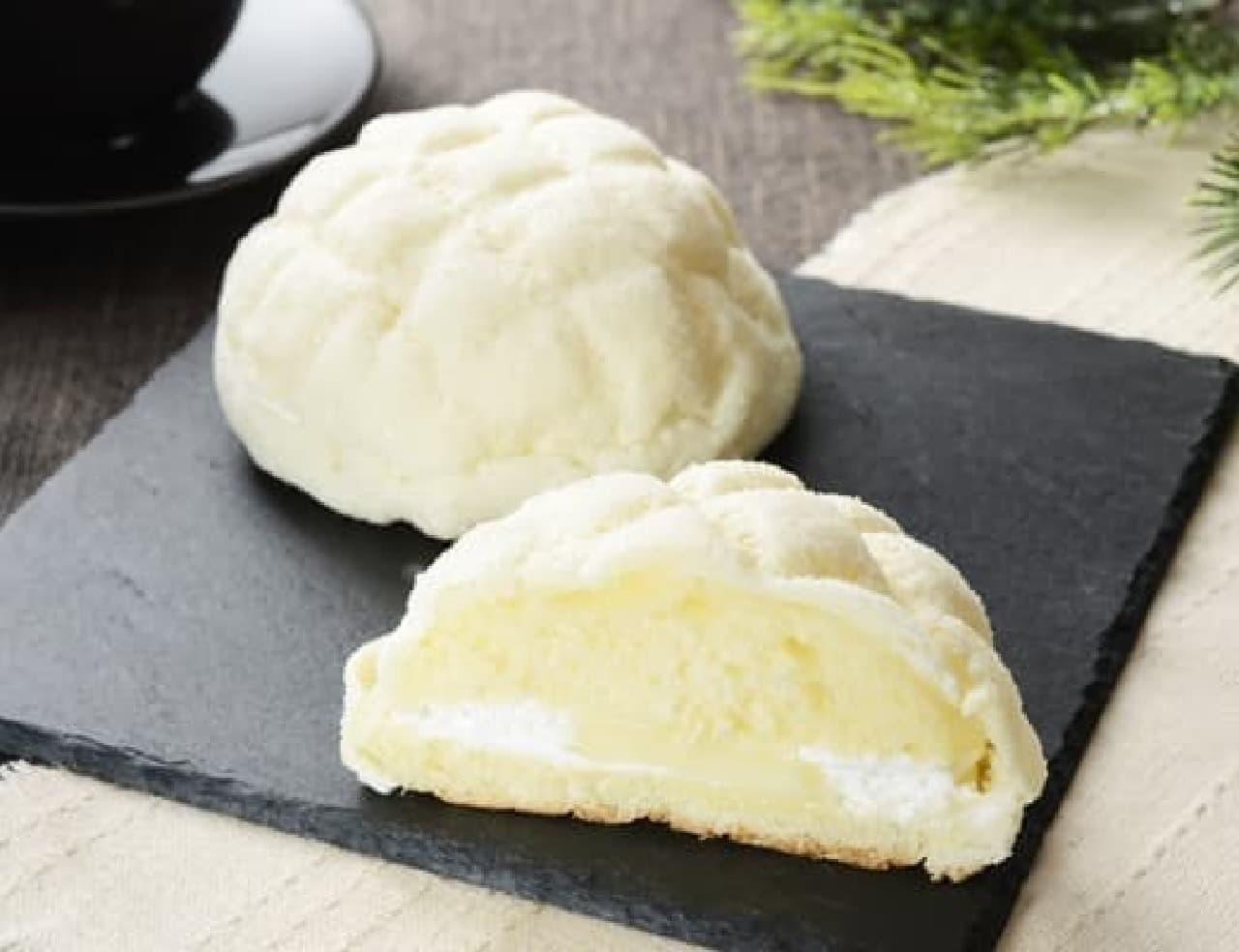 ローソン「白いメロンパン ダブルミルク」