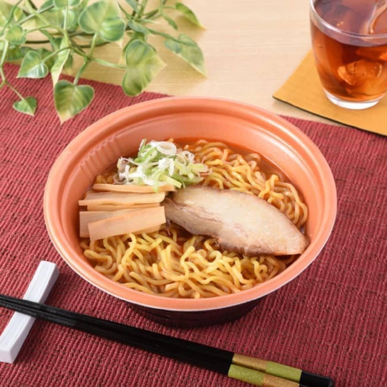 北海道のファミマに「海老風味味噌ラーメン」