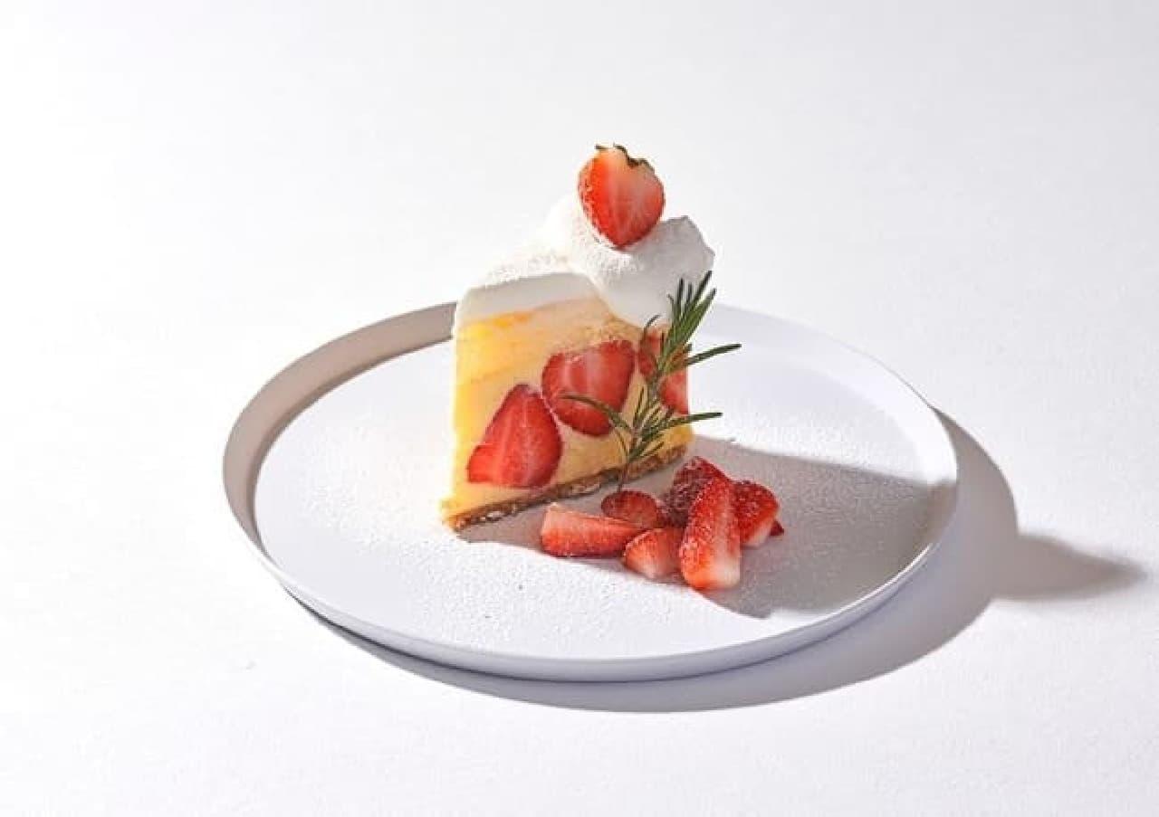 """カフェ&ブックス ビブリオテーク「ごろっといちごの""""生""""クリームショートケーキ」"""