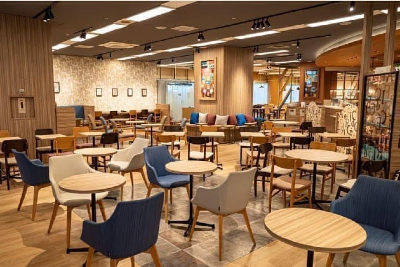 カフェ・ド・クリエ グラン サンシャイン通り店