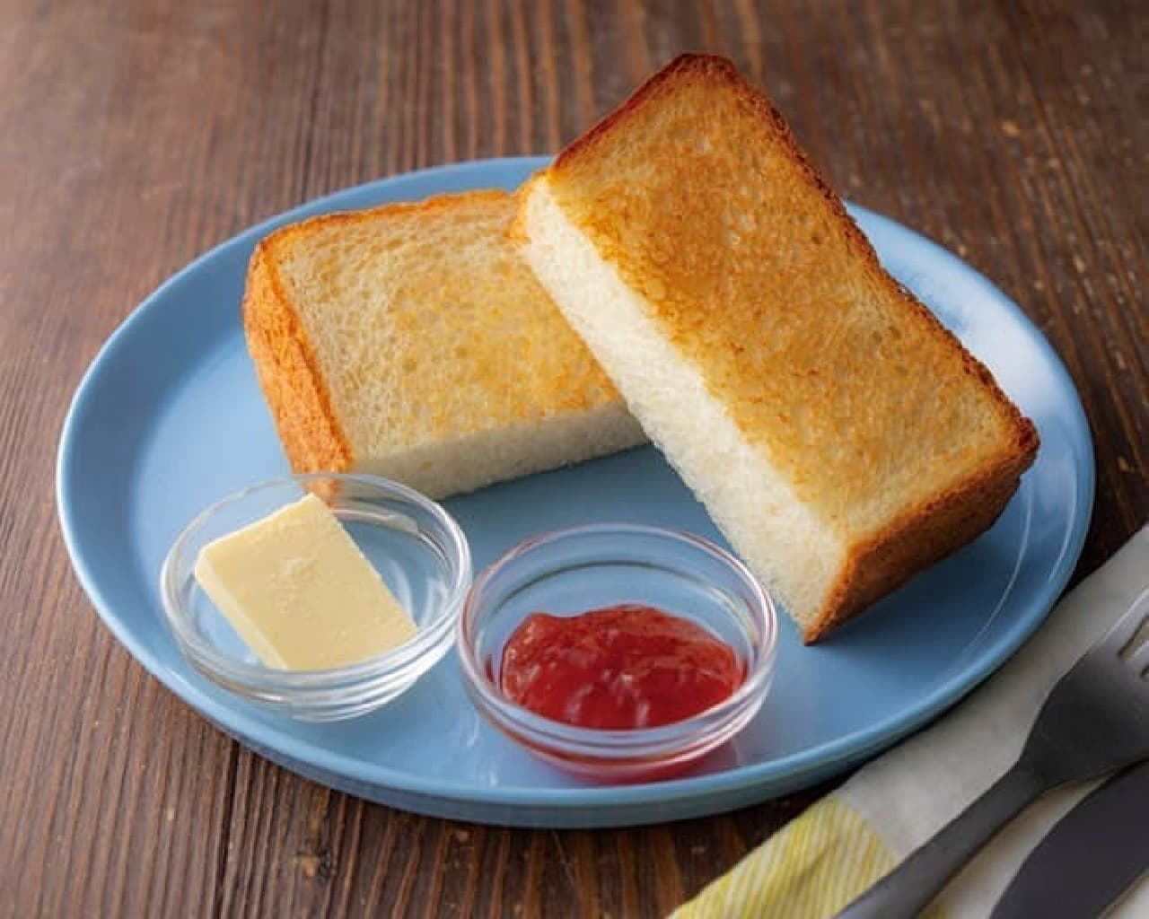 イケビズカフェ「北海道産小麦を使ったもっちり食パン-あまおうイチゴジャム-」