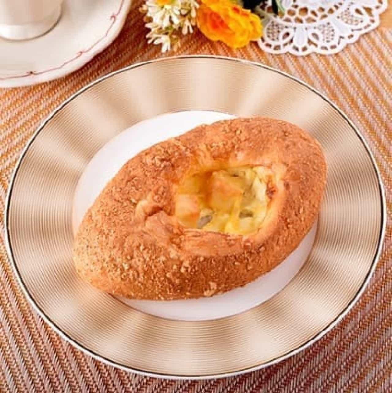 ファミリーマート「3種のチーズフランス」