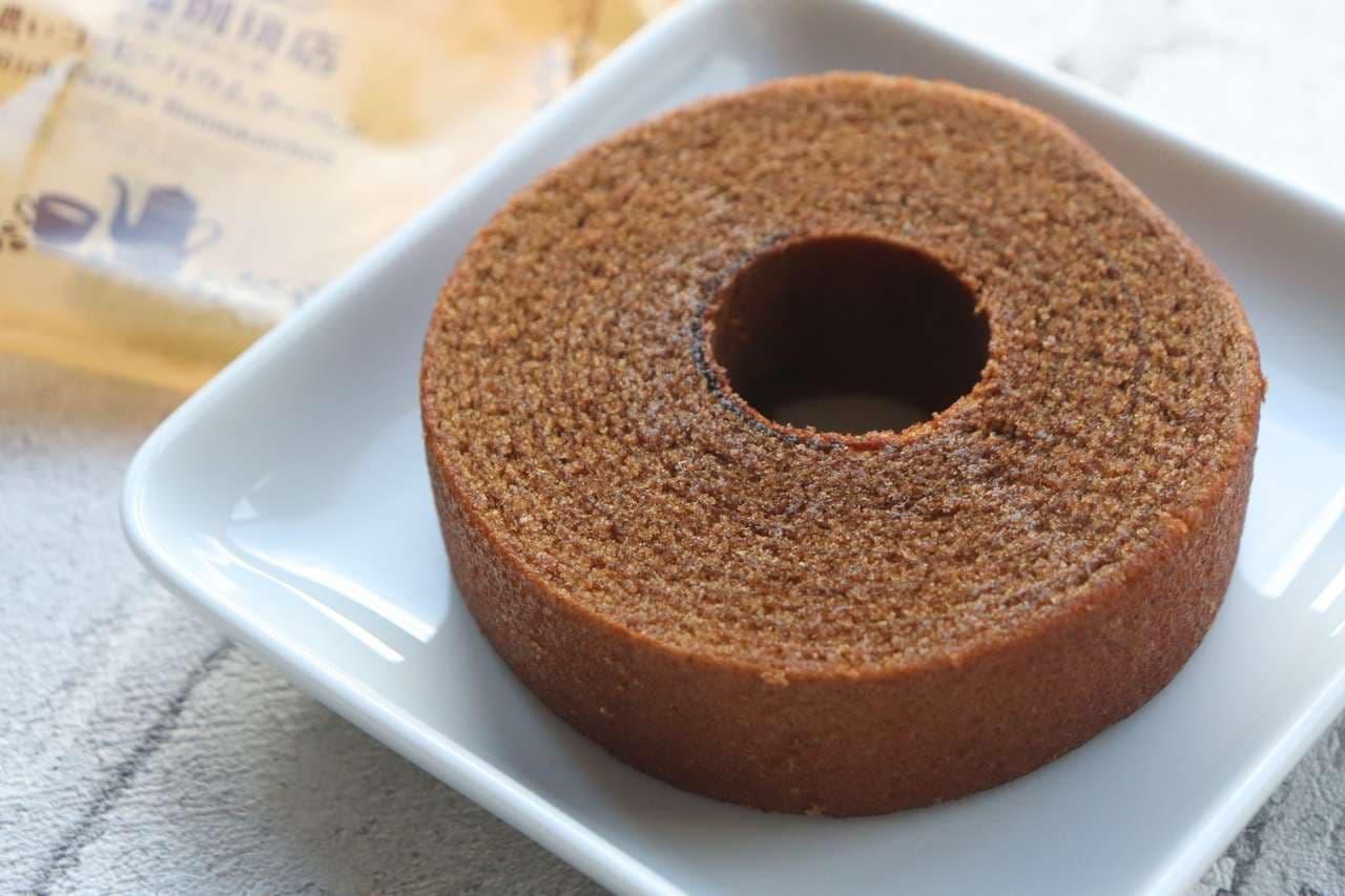 ファミマ「濃いコーヒーバウムクーヘン」「濃いコーヒースティックパウンドケーキ」