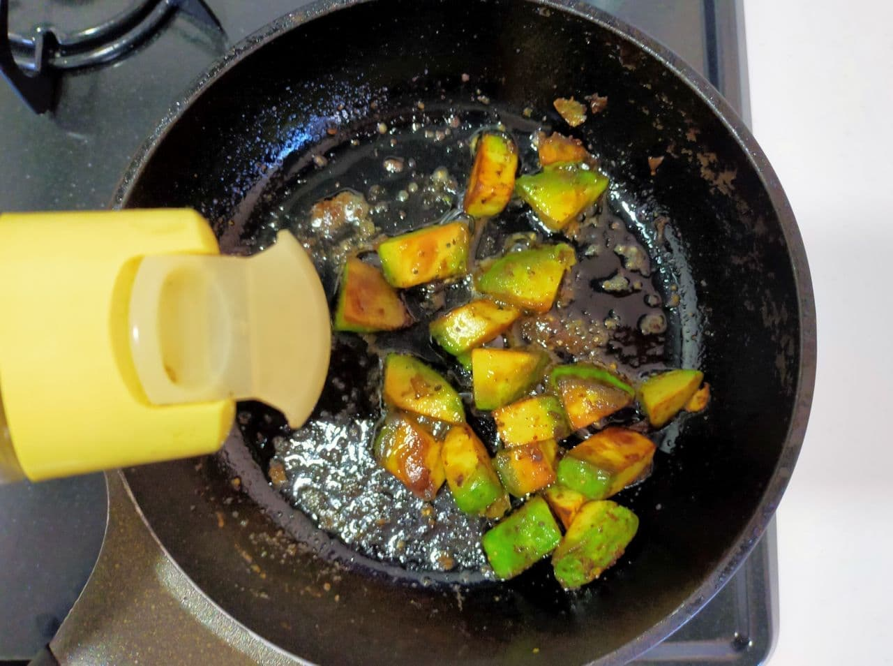アボカドのバター醤油炒め レシピ