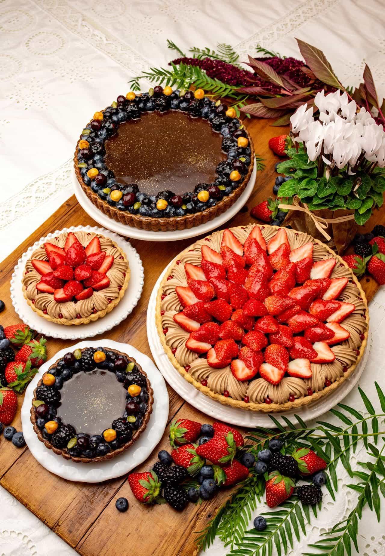 キル フェ ボン バレンタイン限定「イチゴとチョコレートクリームのタルト」と「コーヒームースとヘーゼルナッツのタルト」